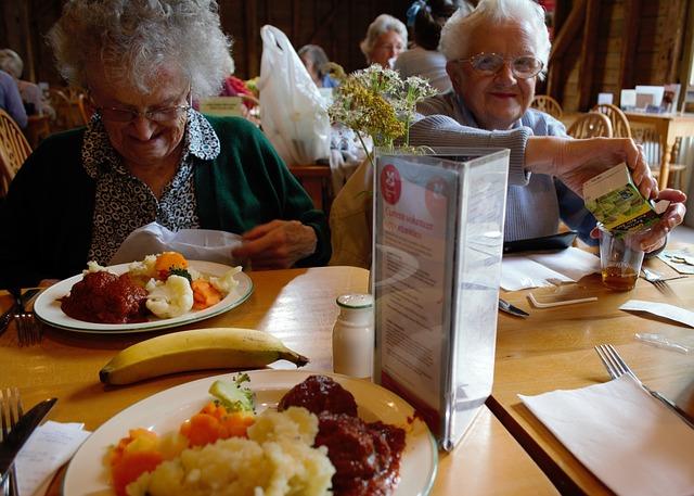 oběd důchodců