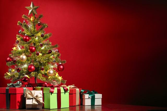 dárky pod stromkem