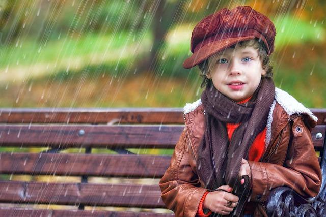 dítě v dešti